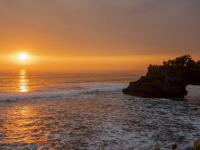 Tanah Lot Temple夕景イメージ